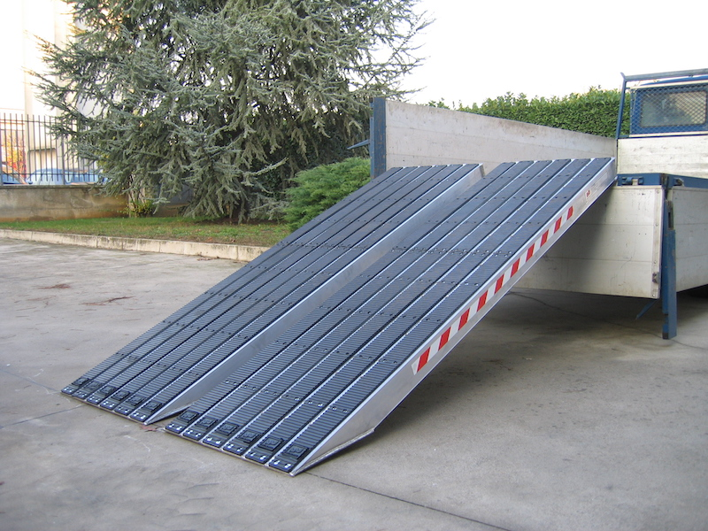 Ramps for Steel Tracks with Rubber Coating - 720mm wide