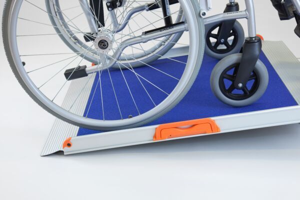 No Fold Wheelchair Ramp with Blue Grip Surface (4ft long 780mm wide)