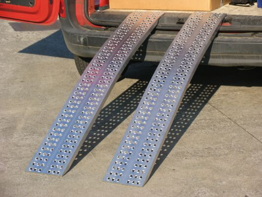 Lightweight Loading Ramps - Domestic Use Only - Curved (2000x300x1000kg)