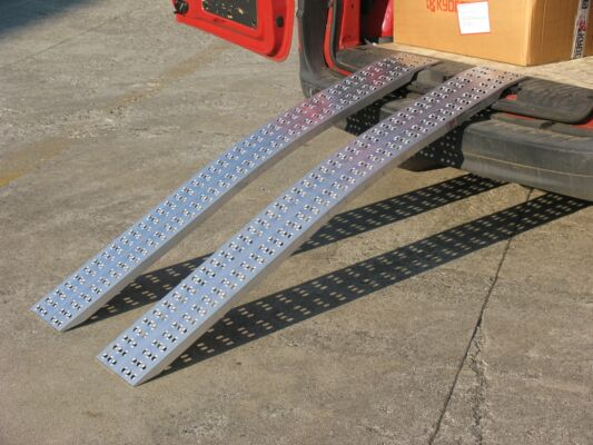 Pair of curved domestic loading ramps