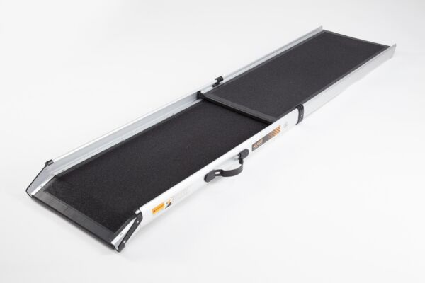 Telescopic pet ramp